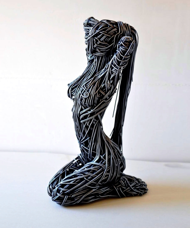 dynamic-lifelike-wire-sculptures-richard-stainthorp-5